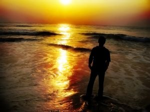 1020428_sunset_on_beach.jpg