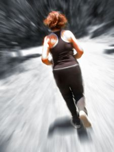 1181363_woman_jogging_blur.jpg